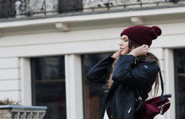 шапка и девушка