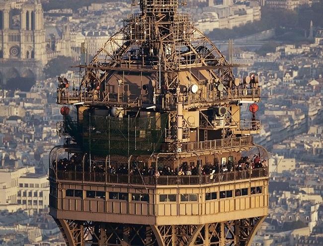 Квартира на верхних этажах Эйфелевой башни