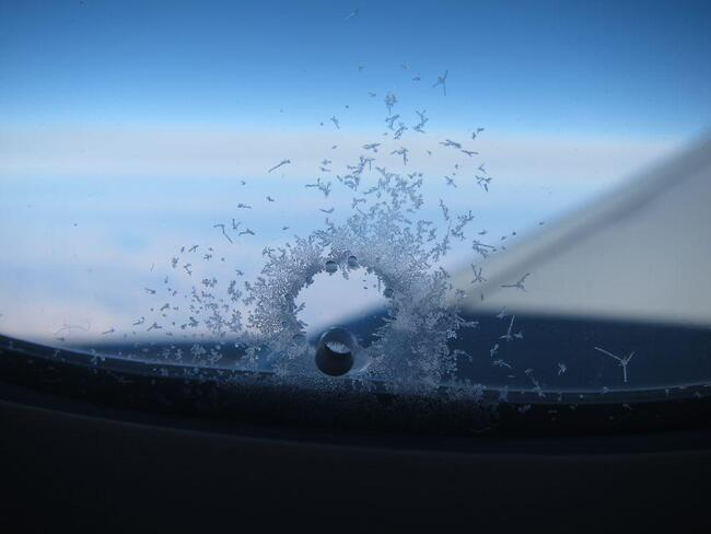 окно самолета