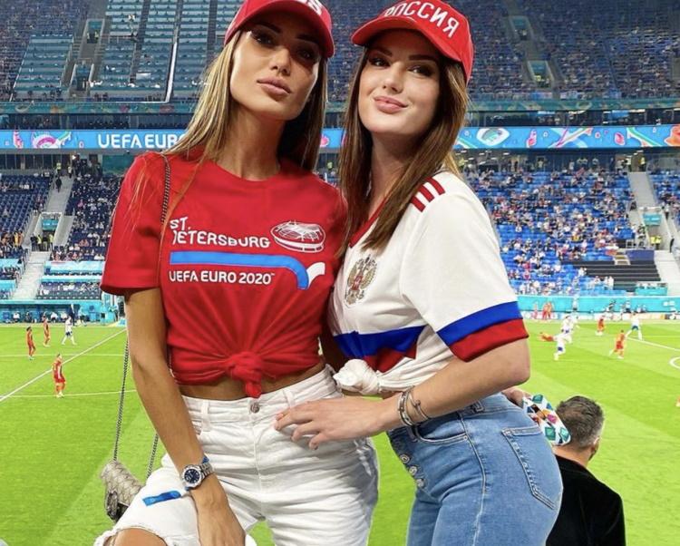 Самые красивые болельщицы Евро-2020: 30 фото