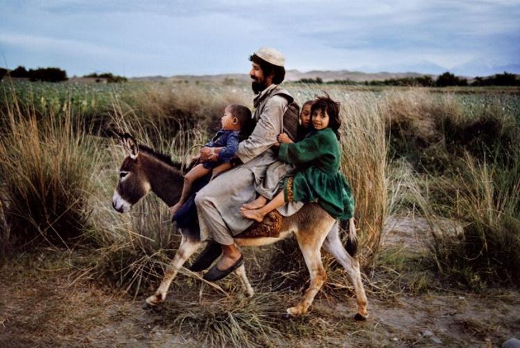 Жизненная суета из разных уголков Земли в 30-ти фотографиях